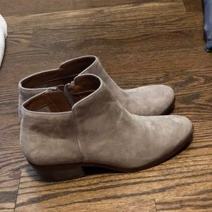 Sam Edelman taupe suede booties size 8.5